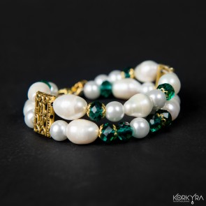 NR225 - FRESHWATER PEARLS AND GLASS BEADS