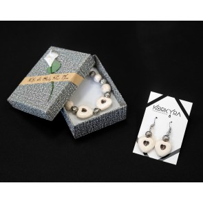 P103 - SET HOWLITE AND METAL BEADS